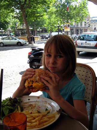 Minty with cheeseburger Paris